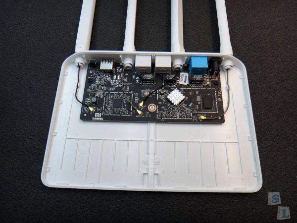 Внутренности Xiaomi Router 3