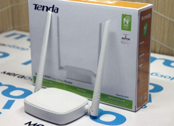 Внешний вид Tenda N301 и упаковка роутера