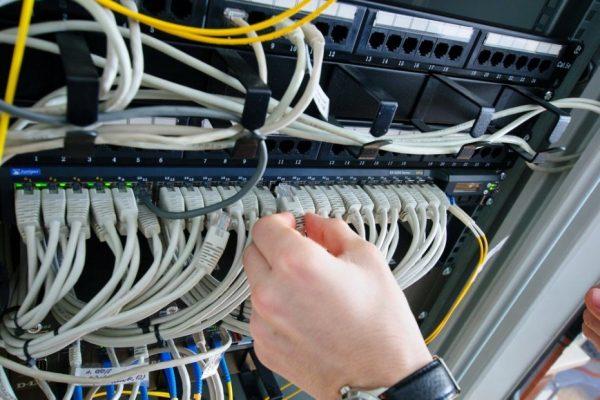 Свободные гнёзда LAN для подключения IP-оборудования