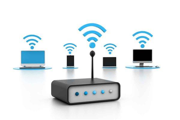 Пользовательские девайсы подключены к роутеру через Wi-Fi