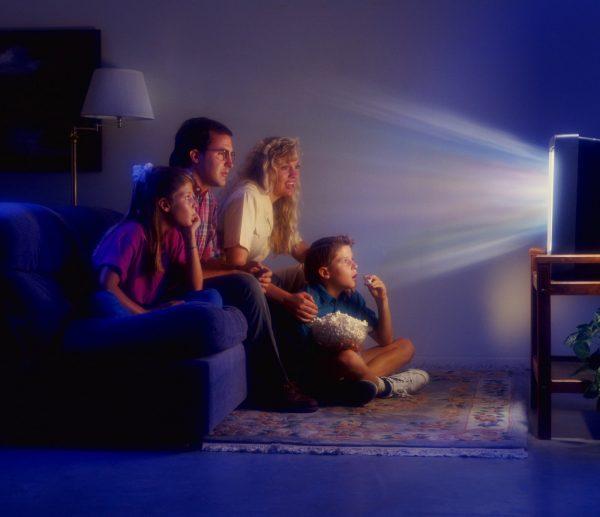 Семейный просмотр ТВ