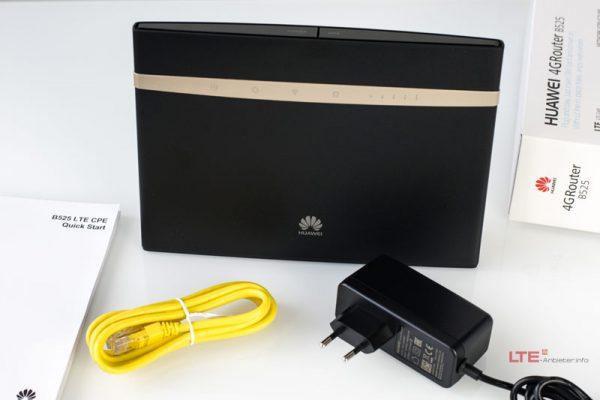 Роутер Huawei B525 с кабелем, блоком питания и руководством пользователя