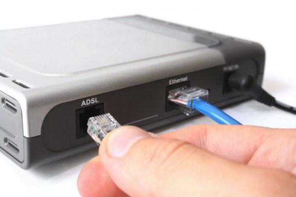 Прдключение телефонного кабеля к порту ADSL на роутере